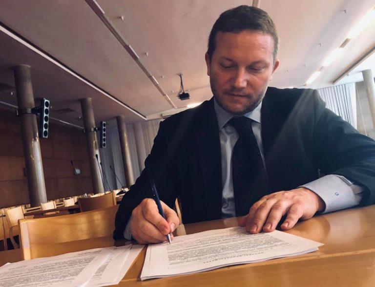 Nyílt levél az Európai Néppárt elnökének – Újhelyi István