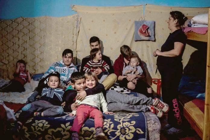 A net népe mentheti meg a kilencgyerekes családot
