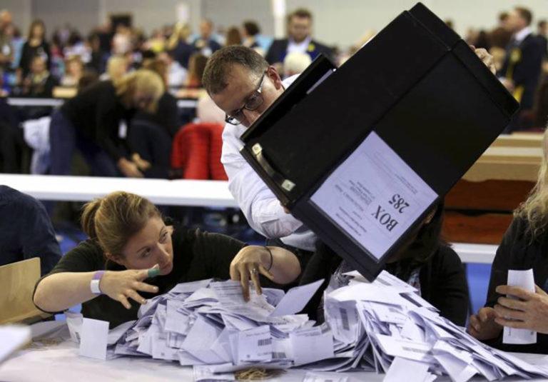 Nemcsak a Brexit tépázza a hagyományos pártokat