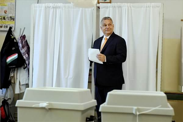 Orbán szerint az osztrák modell megszűnt