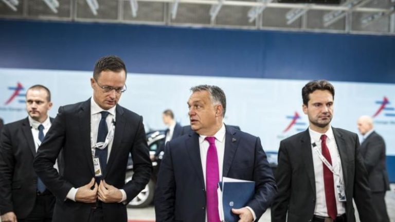 Orbán repülő cirkusza – kényszerleszállás