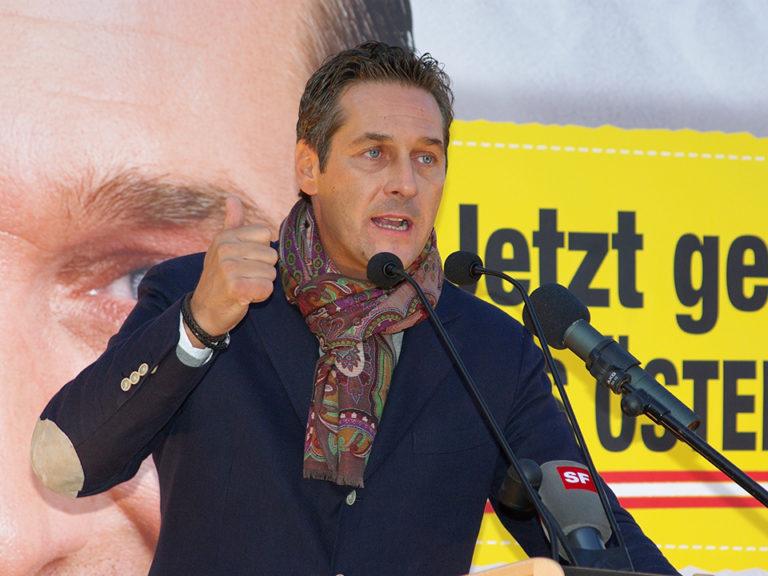 Frissítve!!! Lemondott az osztrák szabadságpárt vezetője orosz kapcsolatai miatt