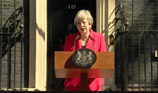 Magával rántotta a Brexit mocsara Mayt
