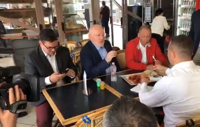 Timmermans: Orbán nem volt elég férfi a vitához