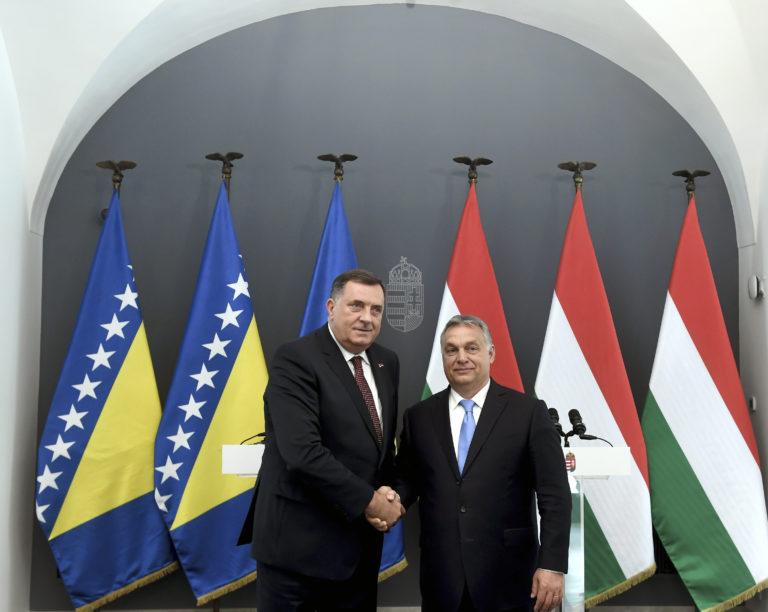 A szigorúan titkos Orbán-sajtótájékoztató
