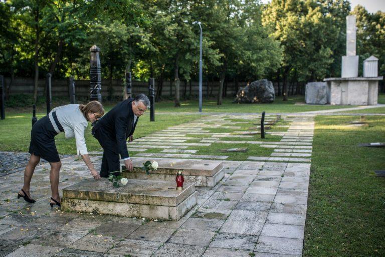 Mai kérdés – Ön szerint Nagy Imre sírjánál találkozott Orbán Viktor 30 évvel ezelőtti önmagával?