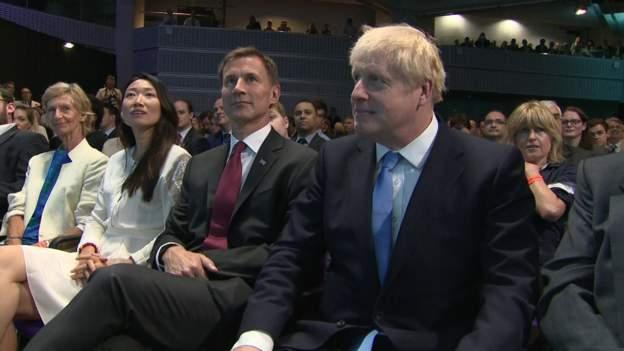 Boris Johnson nyerte a derbit Britanniában