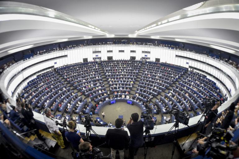 Az orbáni külön-utasság akadályozza az európai védekezést