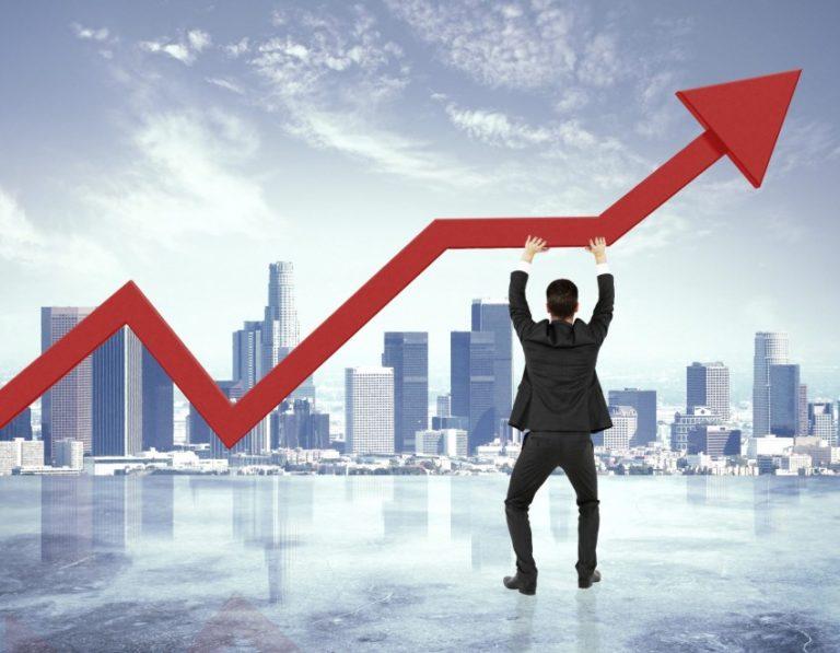Hitelek tolják a lefelé tartó gazdaságot