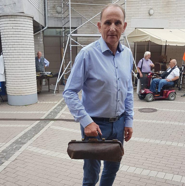 Dr. Gémesi orvosi táskája