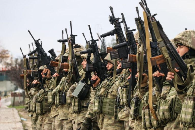 Győzedelmes török harcos a XXI. századból