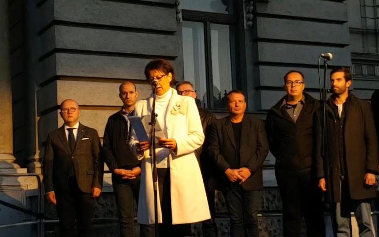 Győri tüntetés: a választás a becsületünkről szól