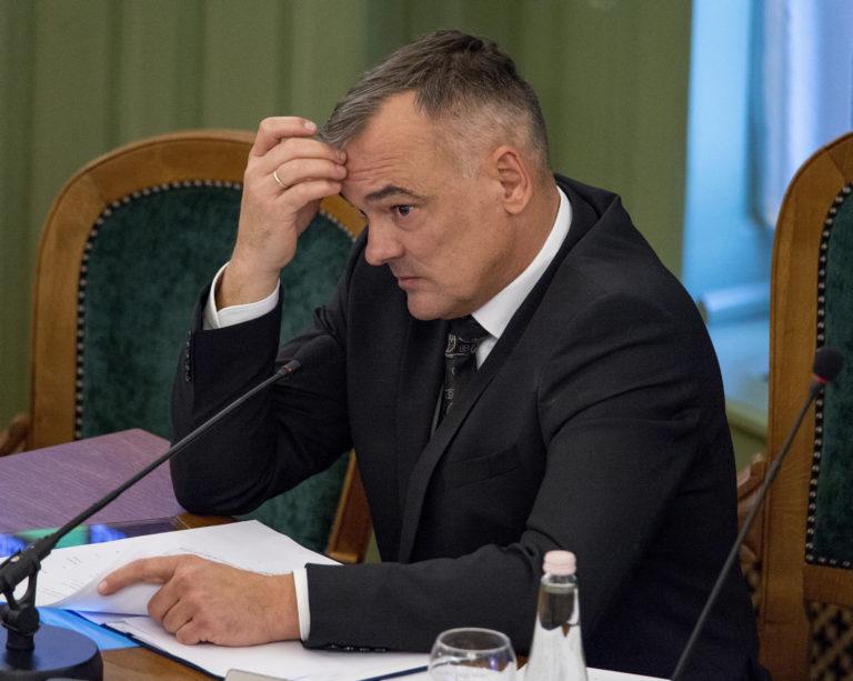 Győr: letette az esküt az egy napig polgármester Borkai