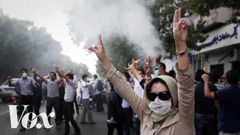 """Lázongás Iránban a """"brutális"""" benzinár emelés miatt"""