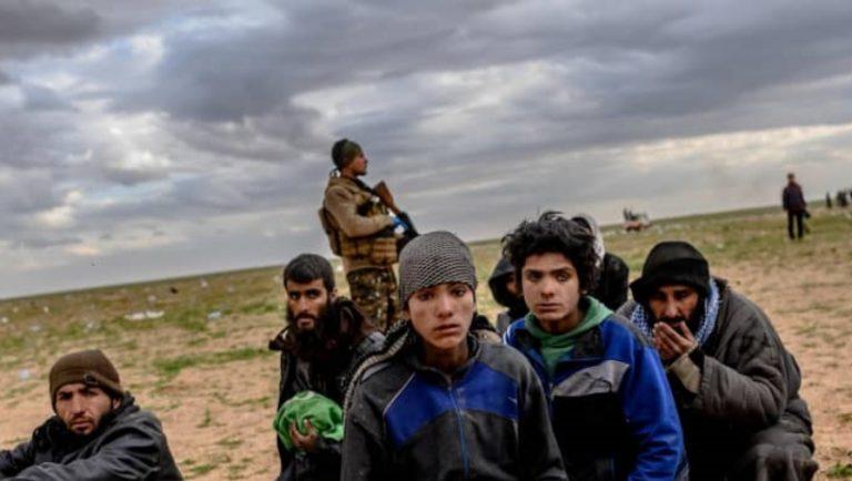 Törökország azzal fenyegetőzik , hogy visszaküldi az európai dzsihád harcosokat a hazájukba