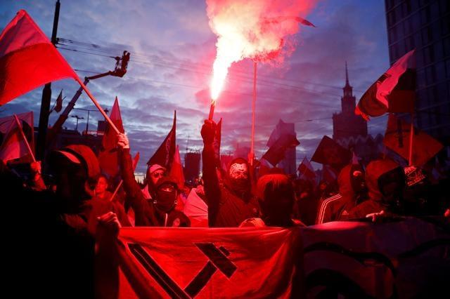 Olasz tudósítás a varsói fasiszta tüntetésről