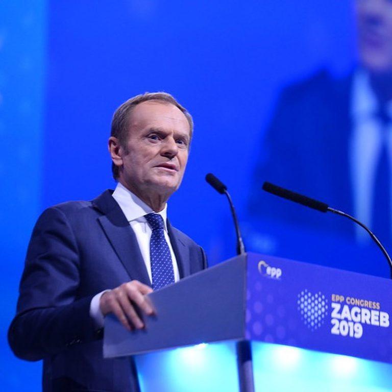 Tusk: populisták, manipulátorok
