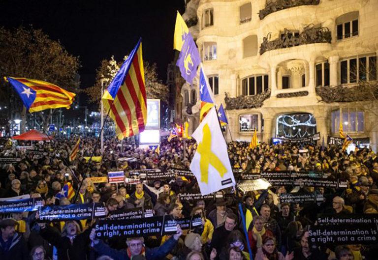 Putyin áll a katalán nacionalizmus mögött is?