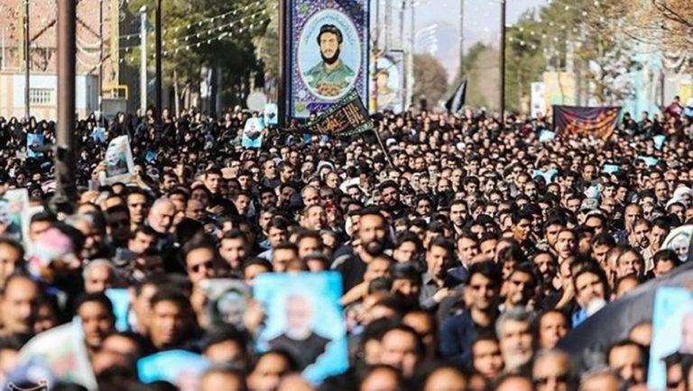 Tüntetések a vallási vezető ellen Iránban