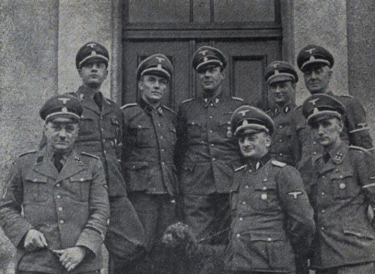 Feltárják a nácik által meggyilkoltak tömegsírját