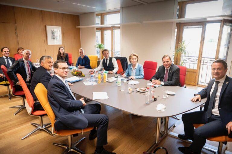 Orbán csak háttérzaj – mondta a holland kormányfő