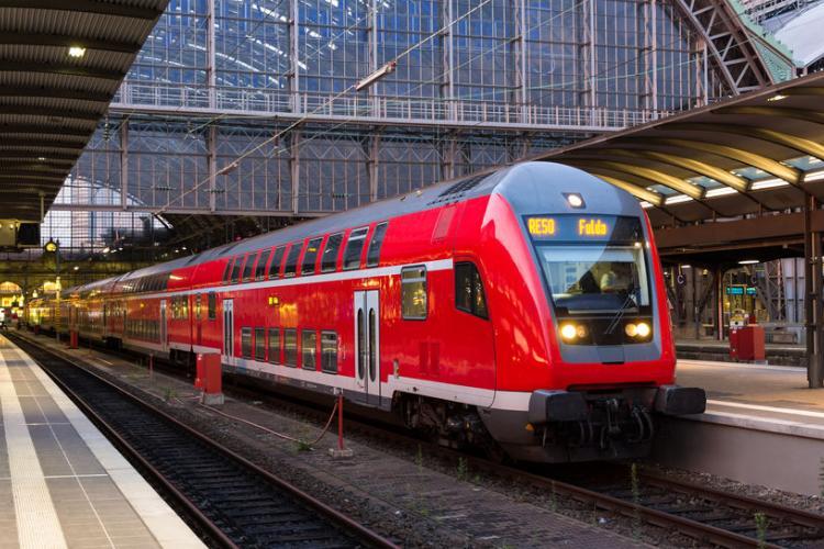 Szigorítja a maszk viselés ellenőrzését a Deutsche Bahn