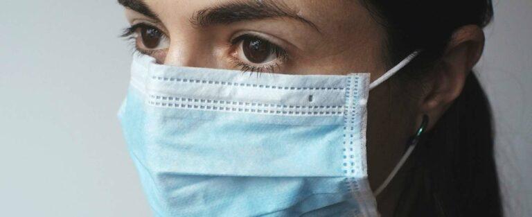 150 eurós büntetés, ha valaki nem visel maszkot közjárműveken