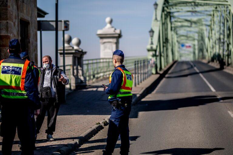 Megszívják a külföldi turisták a magyar határok lezárását