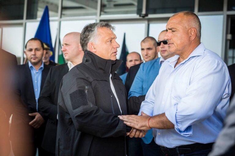 A Fidesz fű alatt tovább vállalhatatlan haverjainak