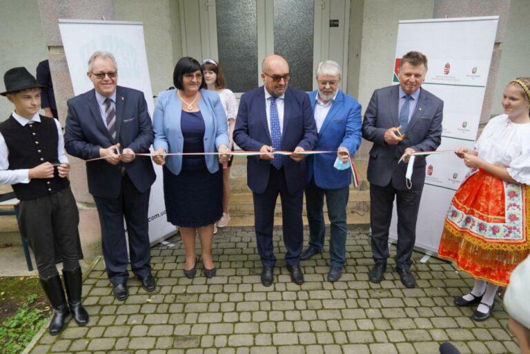 Nem engedték be Ukrajnába a magyar államtitkárt