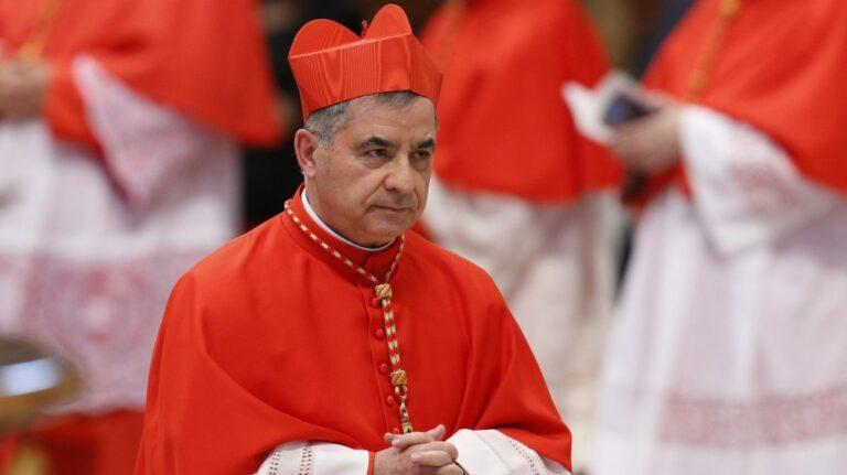 A Vatikán bíborosai egymást vádolják a pénzügyi botrányban