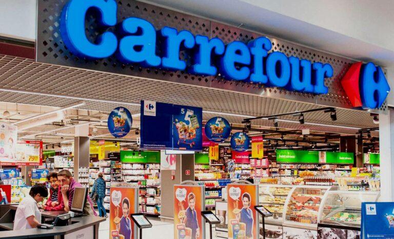Csak a legszükségesebb dolgokat árusíthatják a szupermarketek