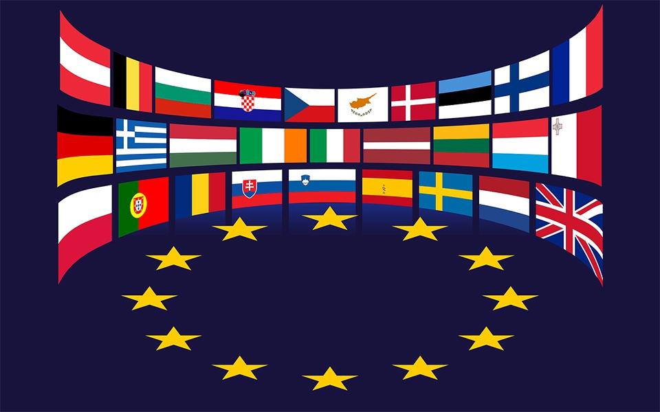 Európa szemben áll a magyar és lengyel kormánnyal