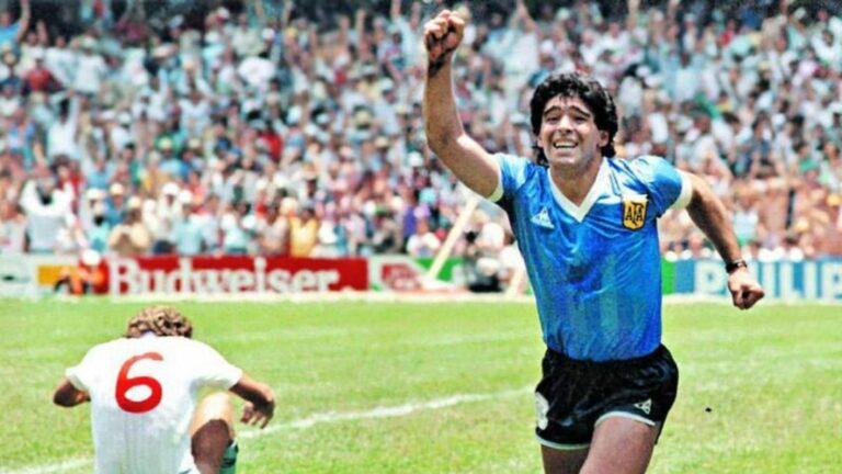 Életének 61. évében elhunyt Diego Maradona