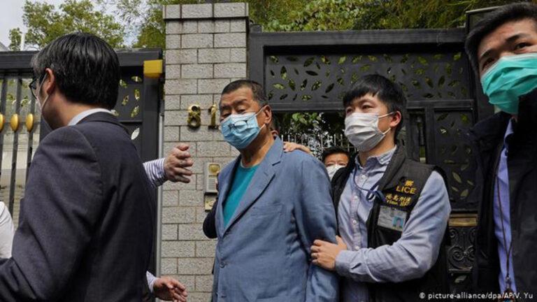 Külföldi hatalommal való együttműködés a vád az ellenzéki sajtómágnás ellen