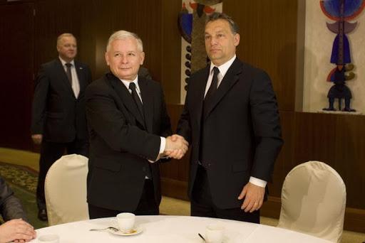 Neonácik európai törvényjavaslatokkal takargatnák Orbán bűntetteit