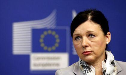 A kormányokat és ne a polgárokat sújtsák az uniós szankciók