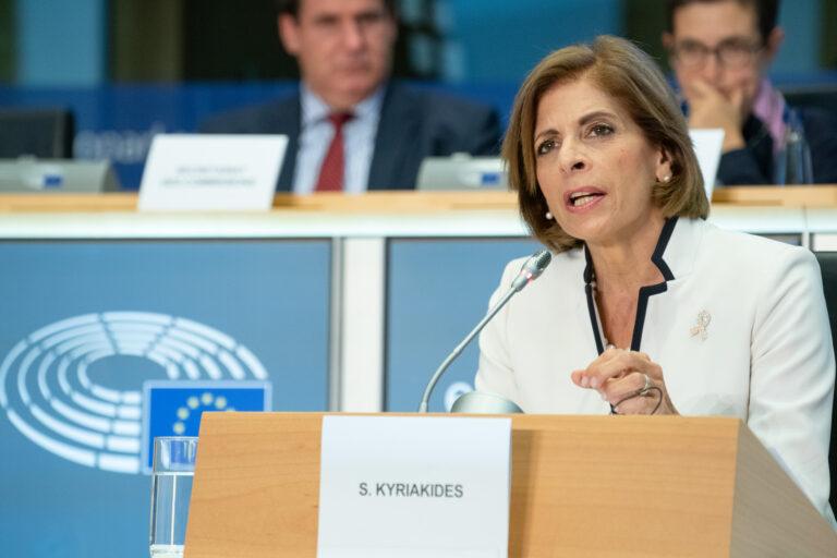 Az Európai Bizottság terítette a lapjait, a magyar kormány továbbra is titkolózik