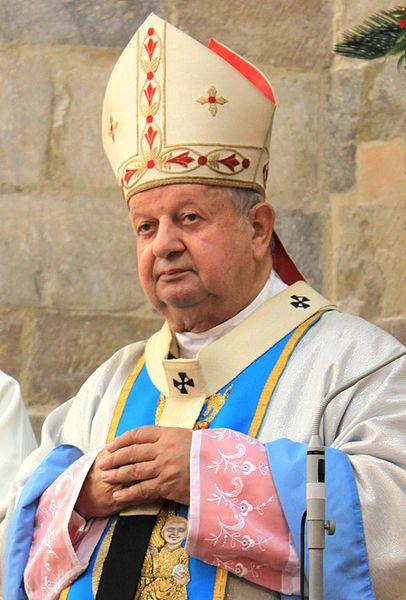 Vatikáni vizsgalat II. János Pál pápa egykori titkára ellen