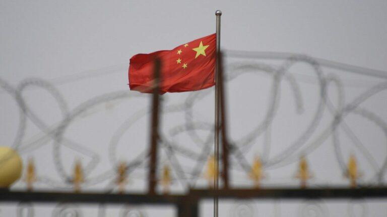 Per az ujgur kényszermunkások alkalmazása miatt
