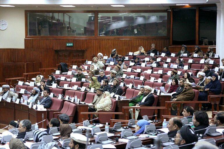 A tálibok a régi rendszer vezetőivel együtt kormányoznának?