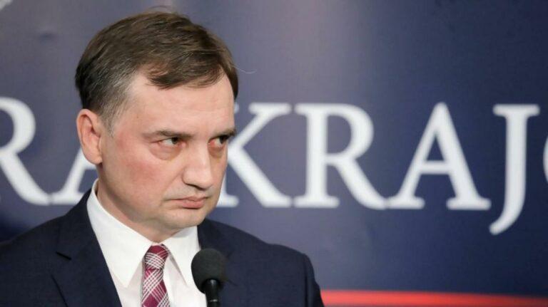 Kiléphet-e Lengyelország az EU-ból?