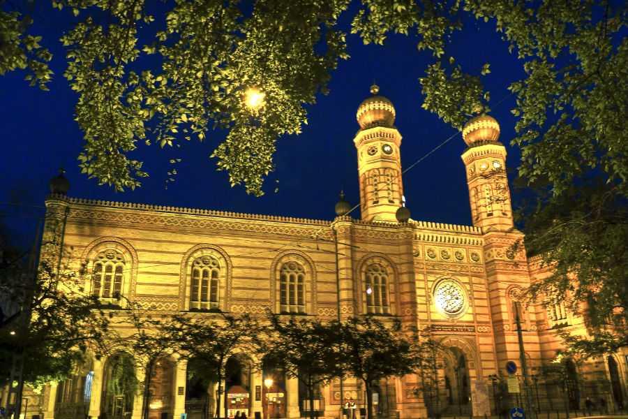 A világ legnagyobb zsinagógáját Pesten avatták fel